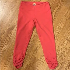Lucy Powermax cropped leggings with rouched ankles